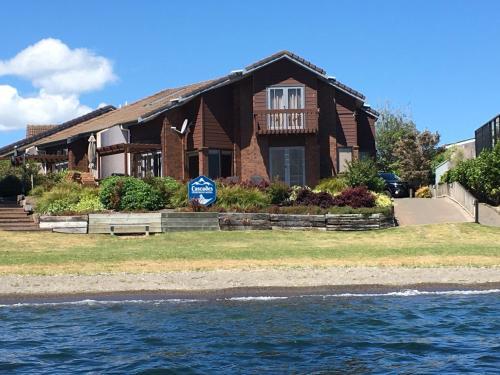Cascades Lakefront Motel - Accommodation - Taupo