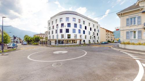 Furnished Studio #203 - Swiss Resort Aigle - Hotel
