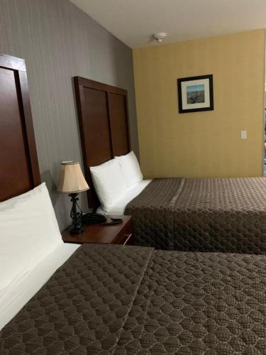 Hotel Pergola JFK Airport - image 14