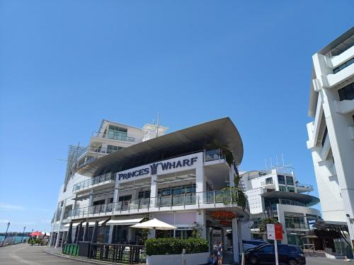 . Princes Wharf Grace Apartments