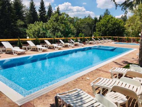 Хотел Свети Теодор Тирон - Hotel - Starozagorski Bani