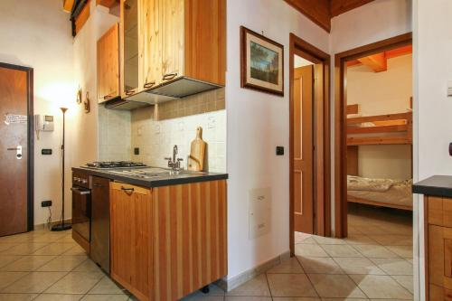 . Apartment with 2 bedrooms in Riolunato with wonderful mountain view and furnished balcony 4 km from the slopes