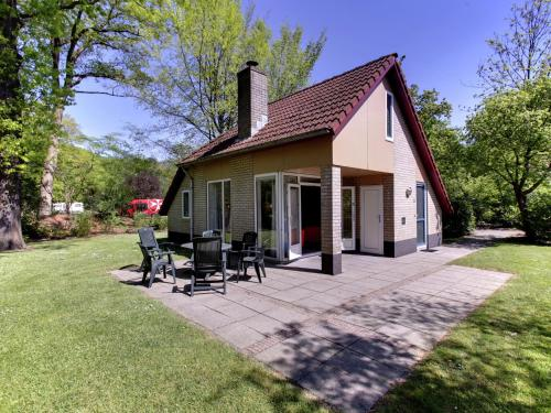 . Attractive holiday home with a fireplace, near Zwolle