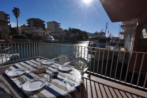 . RNET - Apartments Roses Mediterrani