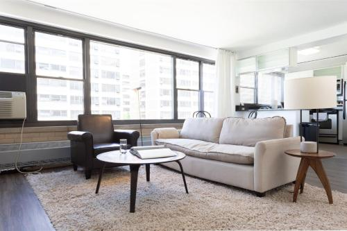 . Classic HP 2BR with Fast Transit to UChicago & DT by Zencity