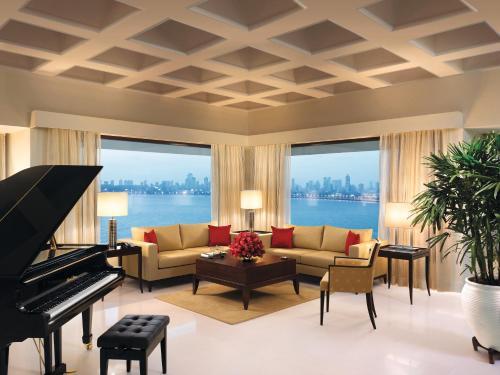 The oberoi mumbai hotel review india travel - The living room mumbai maharashtra ...