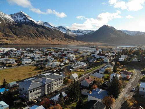 Hlíðarvegur 20 - Gagginn - Hotel - Siglufjörour