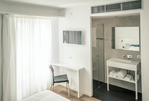 Standard Double Room Tramuntana Hotel - Adults Only 35