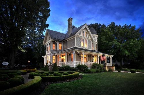 . The Historic Morris Harvey House