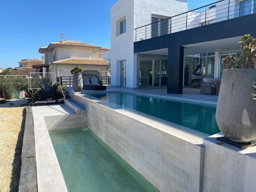Villa Manels