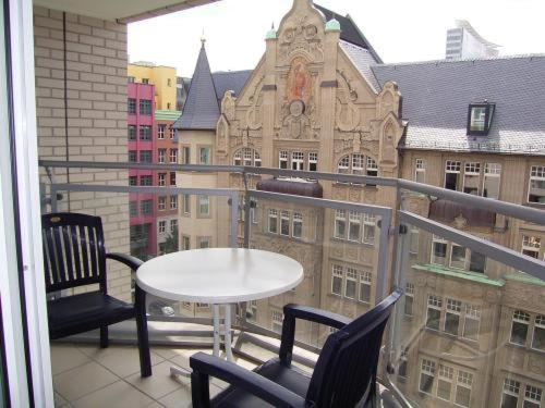 . TopDomizil Apartments Checkpoint Plaza