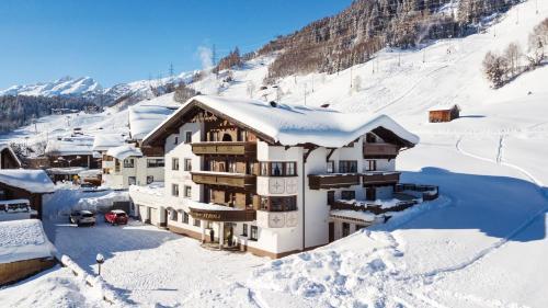 Landhaus Strolz - Accommodation - St. Anton am Arlberg