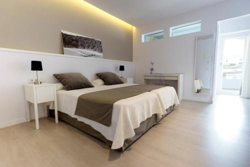Double or Twin Room Hostal La Palma 12