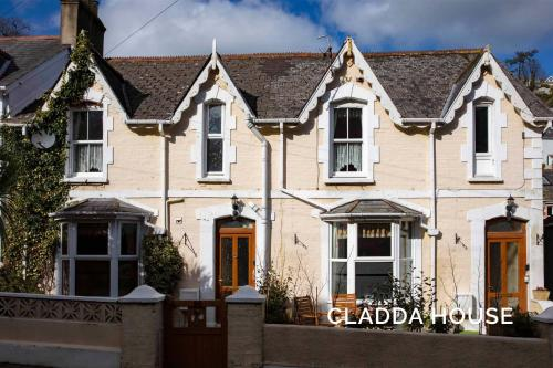 . Cladda House & Self Catering Apartment
