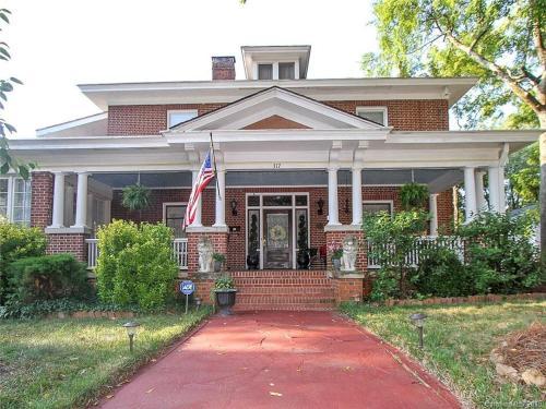The Inn on Front Street - Accommodation - Statesville
