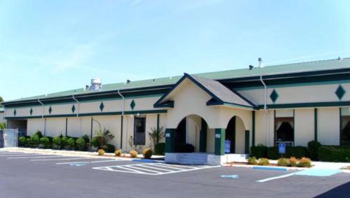. Super Inn & Suites