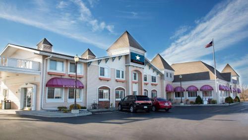 Magnuson Grand Pioneer Inn and Suites - Hotel - Escanaba