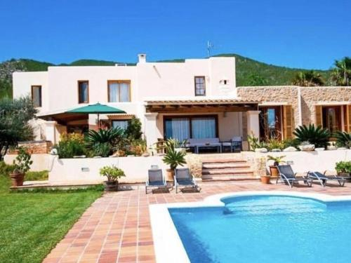 Hotel Spacious Villa in Ibiza Town with Swimming Pool