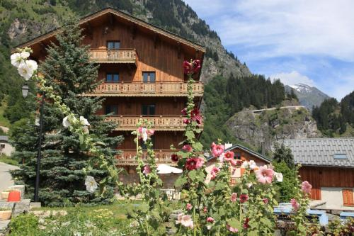 Duplex Carline 185m2 - 7 rooms - Living room with large fireplace and frame - Chalet - Champagny en Vanoise