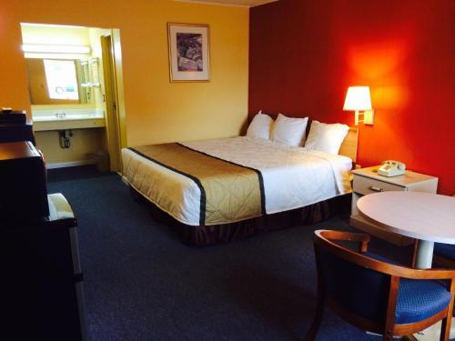 Duffys Motel - Calhoun - Calhoun, GA 30701