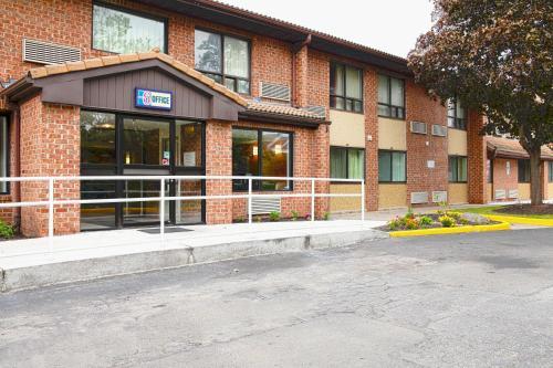 Motel 6-East Syracuse, NY