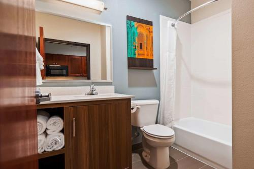 . Best Western Ingleside Inn & Suites