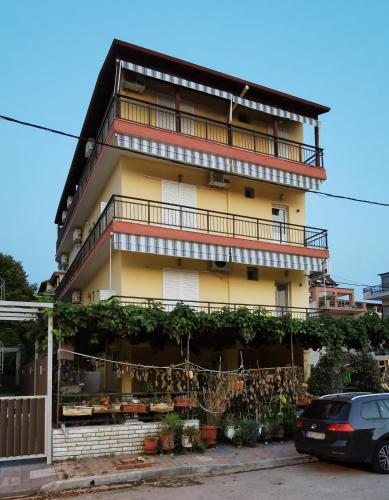 . Apartments Sdoukos
