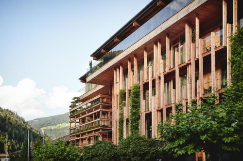 Small Luxury Hotel of the World - DasPosthotel - Zell am Ziller