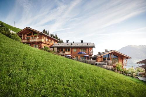 HochLeger - Chalet Refugium am Berg - Apartment - Aschau