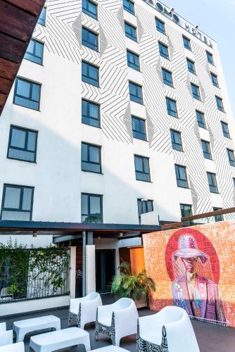 . ONOMO Hotel Douala