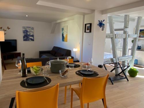 DUPLEX Le 12 - Appartement avec terrasse dans le vignoble - 5 mn du centre de Colmar - Apartment - Wettolsheim
