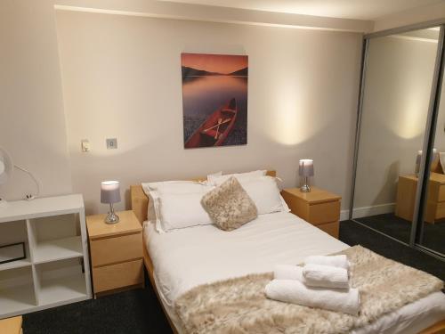 . Birmingham Diamond, 2 bedroom Apt ,sleeps 6 Guest