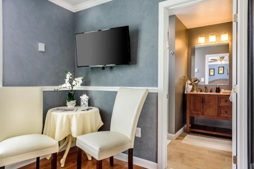 Bouchard Restaurant&Inn - Accommodation - Newport