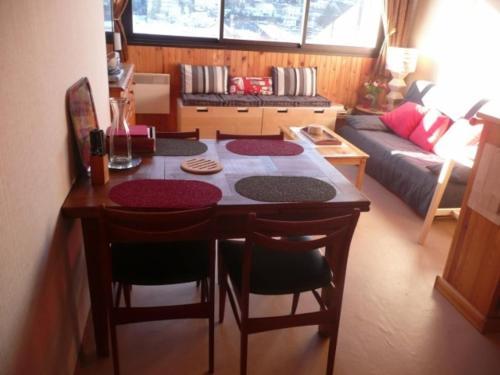 . Appartement Ax-les-Thermes, 3 pièces, 6 personnes - FR-1-116-61