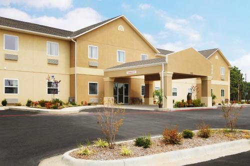 Days Inn & Suites By Wyndham Cabot - Cabot, AR 72023