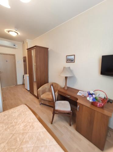 Derzhavniy Hotel - image 6