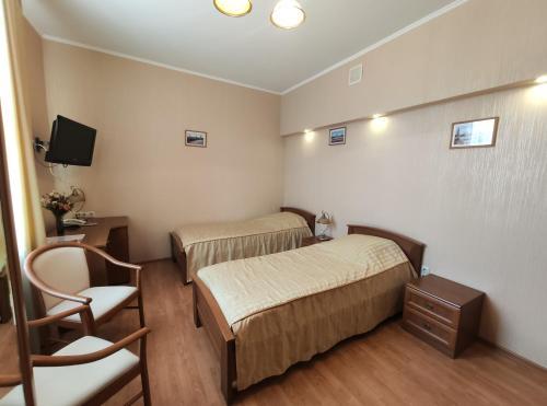 Derzhavniy Hotel - image 10