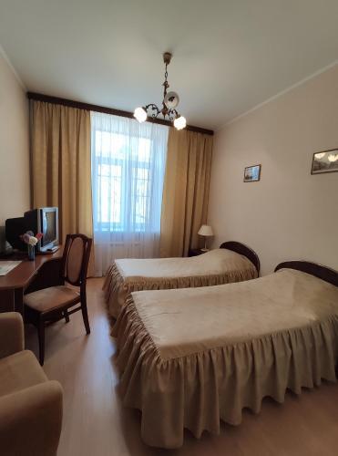 Derzhavniy Hotel - image 11