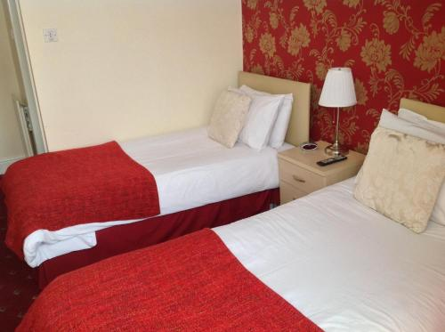 Fairview Hotel - Blackpool - book your hotel with ViaMichelin