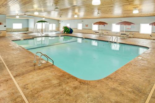 . GuestHouse Inn & Suites Rochester