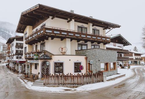 Pension Zimpasser - Accommodation - Saalbach Hinterglemm