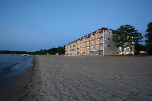 Bayshore Resort Traverse City Mi Aaa Com