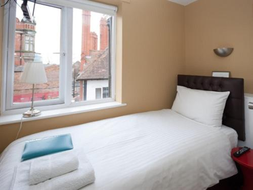 Grosvenor Place Guest House - Photo 8 of 52