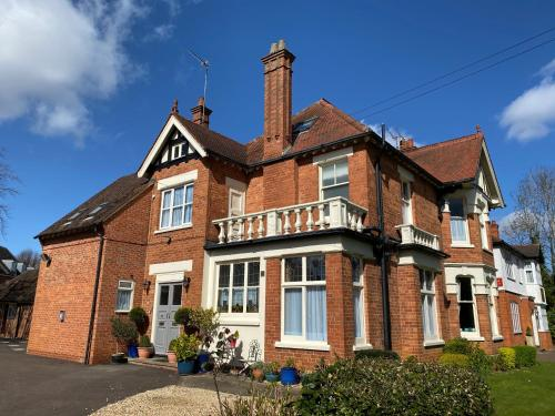 Fairlawns Guest House