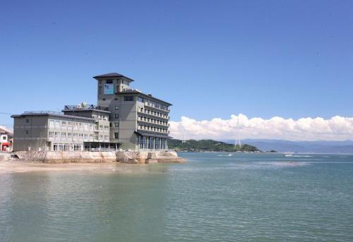 可馬蘇亞納吉薩堪酒店 Komatsuya Nagisakan