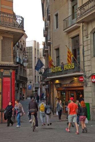 Hostal Paris photo 7