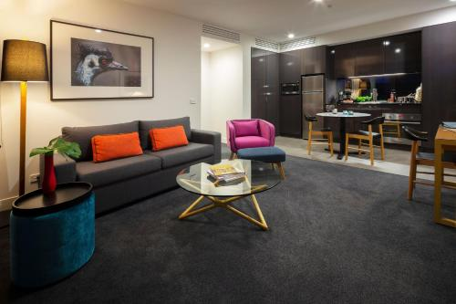 East Hotel and Apartments - Canberra