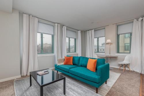 Park Pacific - Spacious DT Apts with Free Parking by Zencity - Accommodation - Saint Louis
