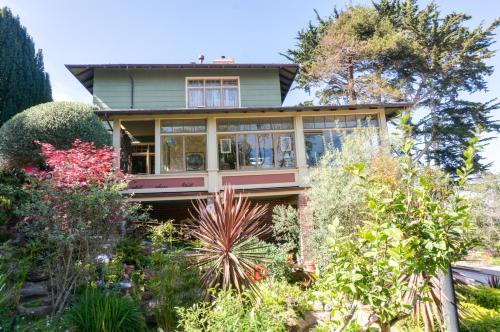 The Jabberwock Bed & Breakfast - Monterey, CA CA 93940