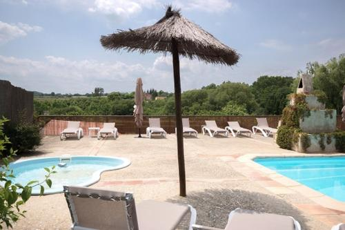 Apartment with 2 bedrooms in Llampaies, with shared pool, enclosed garden and WiFi - 17 km from the beach - Llampaies